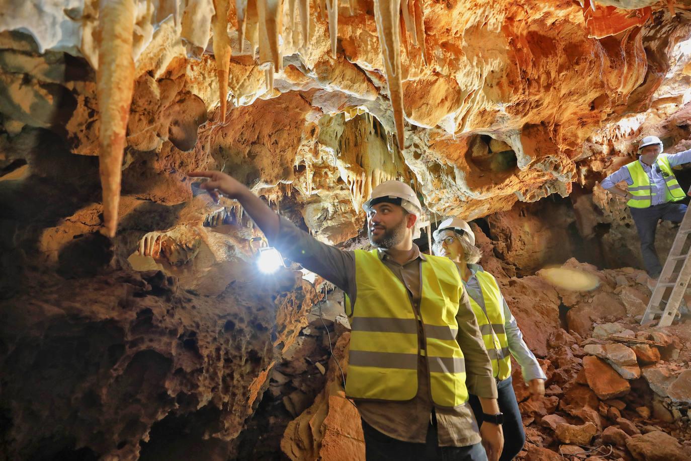 El proyecto de la ronda sureste de Cáceres se modificará para mantener las cuevas