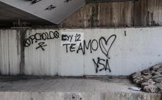 Una declaración de amor pintada en la pared acaba en una multa de 750 euros
