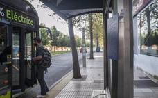 Placas de braile en las paradas de autobuses