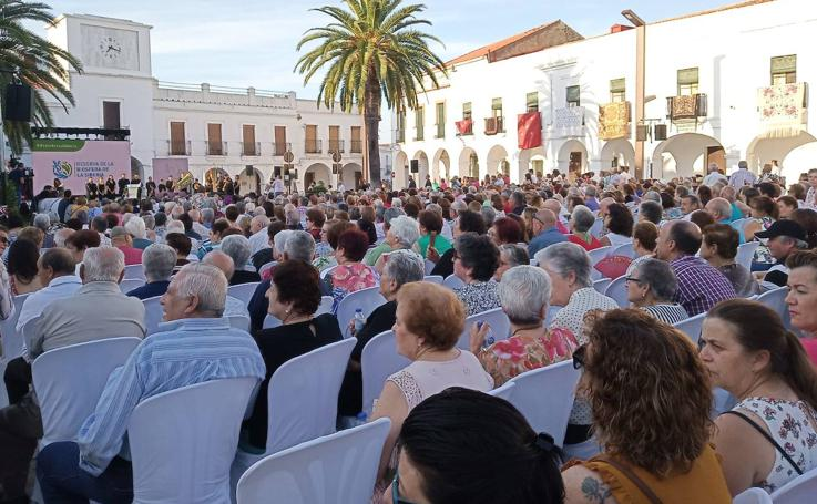 Más de mil personas celebran en Herrera del Duque que La Siberia es reserva de la biosfera