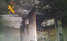 La Guardia Civil rescata a dos ancianas de una vivienda en llamas en Jaraíz de la Vera