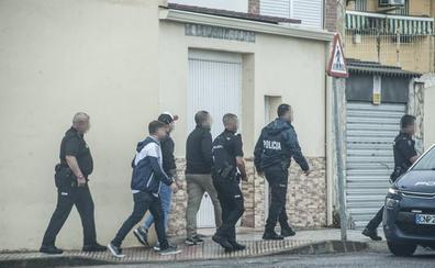 Detienen a uno de los implicados en el tiroteo del Puente Real de Badajoz