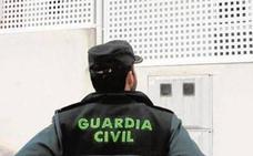 """La Guardia Civil detiene a nueve radicales en Cataluña acusados de preparar actos """"terroristas"""""""