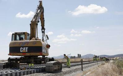 El tren extremeño recibirá más fondos europeos gracias al avance de las obras