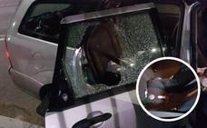 Un bebé resulta herido en Badajoz tras impactar una piedra contra la ventanilla de un coche