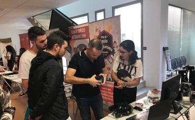 La Feria de Empleo, Emprendimiento y Empresa de La Serena moviliza a más de 140 personas