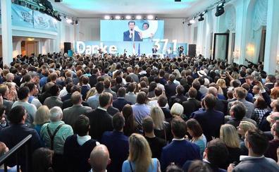 Kurz afronta ahora un complicado proceso para formar gobierno en Austria