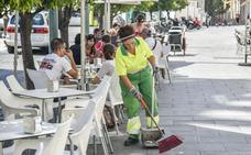 Vélez: «Hacen falta máquinas para limpiar las calles»