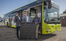 Tubasa prueba unas placas solares para climatizar los autobuses