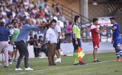 El Badajoz pone los pies en la tierra
