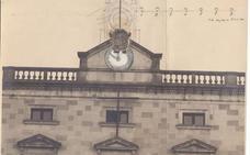 La compra del reloj del ayuntamiento, en el Documento del Mes