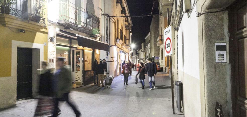 La Junta rechaza la petición municipal de ampliar en bloque el horario de los bares de Cáceres