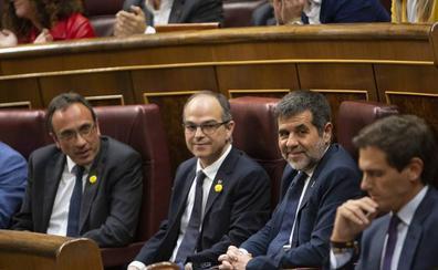 El Constitucional investigará la suspensión como diputados de Rull, Sànchez y Turull