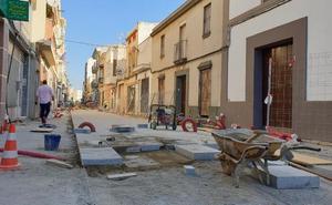 Los comerciantes de Villanueva esperan que las obras acaben para Navidad
