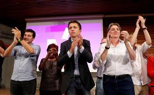 La decisión de Errejón de disputar Barcelona a Ada Colau precipita la primera dimisión de su partido