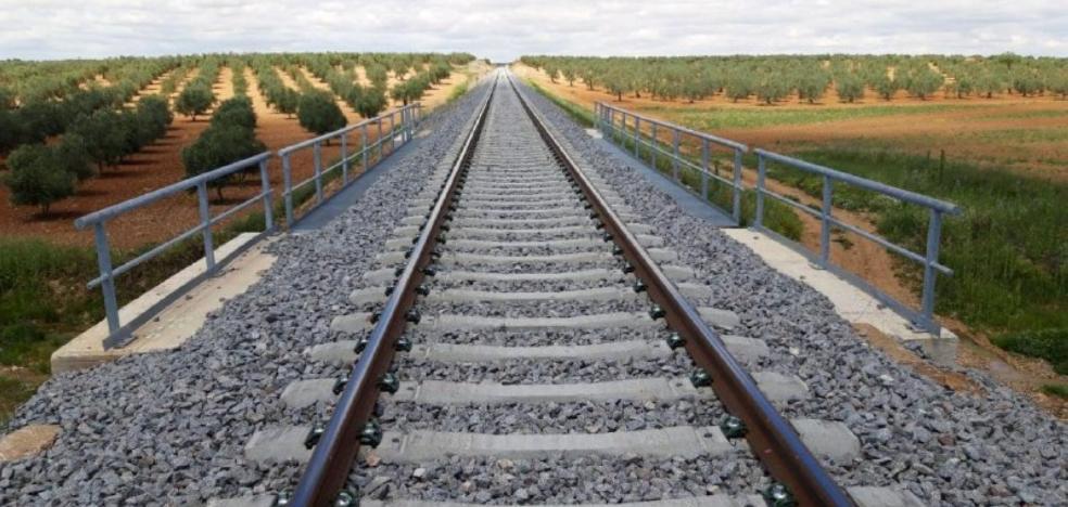 Renfe reduce los tiempos de viaje en más de veinte rutas en la región