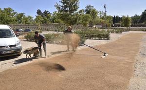Instalan un nuevo suelo más resistente en el baluarte de San Pedro
