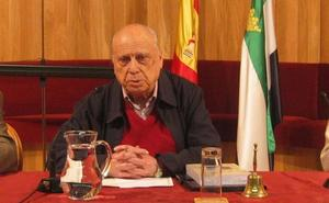 Amigos de Badajoz pide que Manuel Terrón sea nombrado hijo predilecto de la ciudad