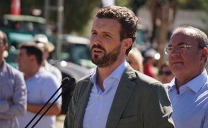 Casado critica en Zafra al Gobierno por no evitar los aranceles de EE UU