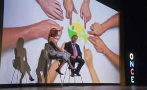 La ONCE entrega sus premios solidarios en el López de Ayala