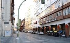 Detienen a cuatro hombres por robar 20 sillas de la terraza de un restaurante en Badajoz