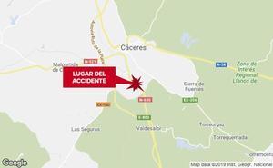 Un motorista resulta herido con policontusiones al sufrir un accidente en Cáceres