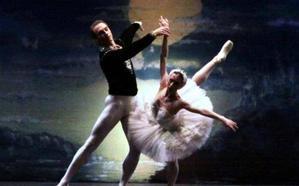 El Ballet Nacional Ruso pone en escena 'El lago de los cisnes'
