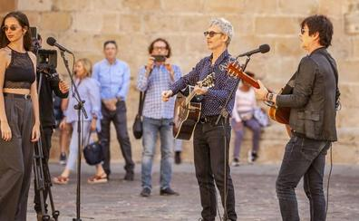 La parte antigua de Cáceres, plató musical con Ariel Rot y Nacho Campillo