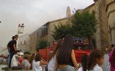 Un incendio quema parte del interior de la iglesia parroquial de Cabeza del Buey