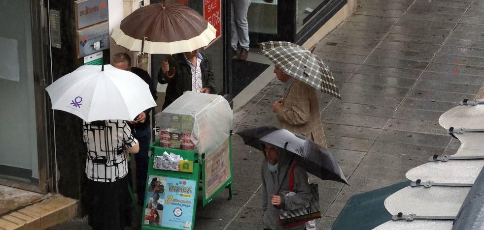 La lluvia y la bajada de temperaturas llegarán este lunes a la región