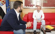 El PSOE espera contar con el respaldo de Teófilo Amores para aprobar sus presupuestos