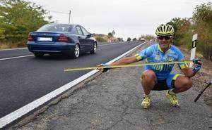 Los ciclistas piden mejoras en los arcenes de un tramo de la N-V