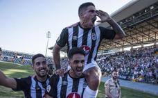 Gorka Santamaría acude al rescate del Badajoz