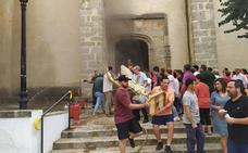 J. J. Minaya, restaurador en Cabeza del Buey: «Hay retablos afectados, pero son recuperables»