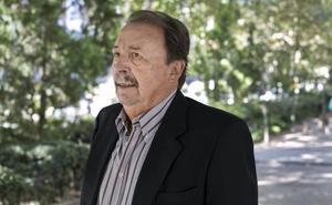 La UEx nombra doctor honoris causa a Juan de Dios Román
