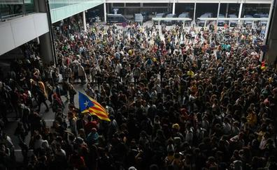 Directo   Miles de manifestantes colapsan El Prat