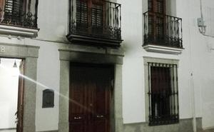 Un incendio produce grandes daños en una vivienda de Los Santos de Maimona