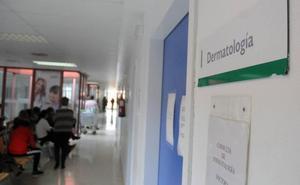 El hospital de Mérida retrasa las citas de dermatología por la dificultad para cubrir las bajas