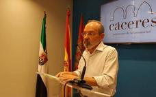 Amores se queda sin secretario y sin la asignación de 2.250 euros por grupo municipal en Cáceres