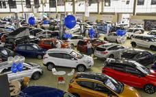 Los vehículos ecológicos se hacen un hueco en el octavo Salón del Automóvil