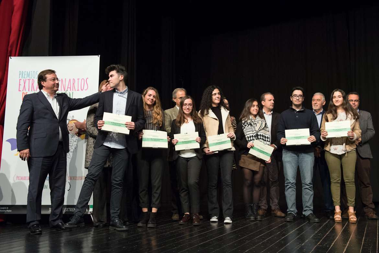 Educación entrega a 18 alumnos extremeños de Primaria y ESO los premios extraordinarios
