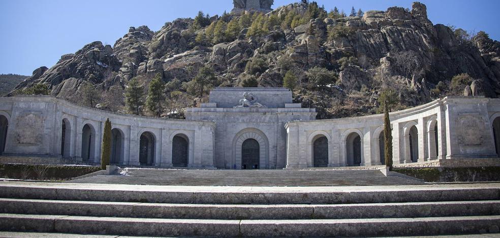 La exhumación de Franco llega a su fin tras 416 días de resistencia familiar