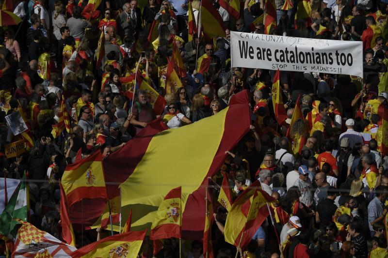 Masiva marcha en Barcelona por la unidad de España