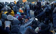Francia desaloja la frontera pero Tsunami continúa las escaramuzas