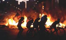 Protestas sociales y huelga general agitan Chile con masivas movilizaciones