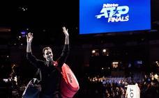 Federer 'regala' el número uno a Nadal