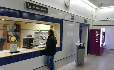 Las taquillas de las estaciones de tren vuelven a abrir al menos hasta abril