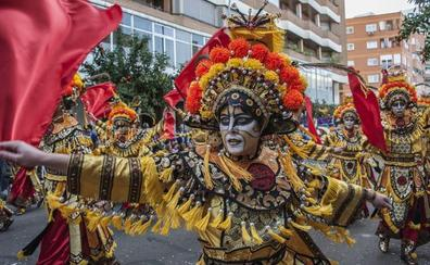 51 comparsas participarán en el gran desfile de comparsas de Badajoz