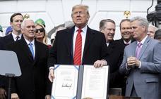 Los republicanos amenazan con alargar el juicio político a Trump si Bolton testifica