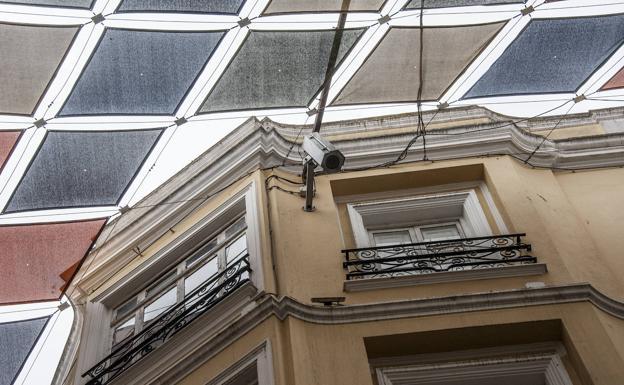 Cámara cuentapersonas en la calle San Juan:: PAKOPÍ